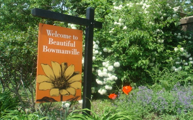 Bowmanville Garden welcome signs